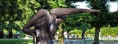 """Fuglemandens hoved er inspireret af Maraboustorken, som også kaldes """"Afrikas Skraldemand"""", fordi den lever af ådsler. © JF"""