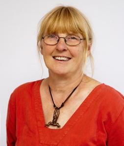 Elna Christiansen.
