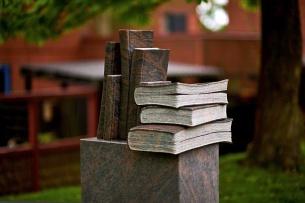 Granitbøger.