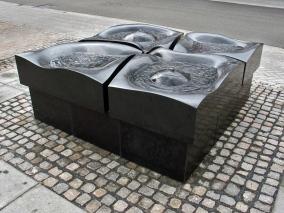 Vandkunst i Ølgod - 185x185 cm.