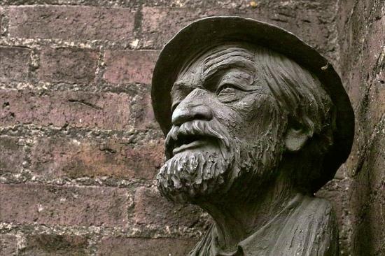 Troels Lybecker buste af maleren Svend Aage Tauscher.