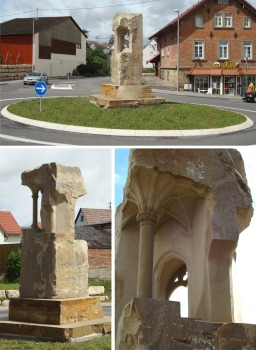 """Journey"" - 2007, sandstone, Leingarten, Germany, height 450 cm"