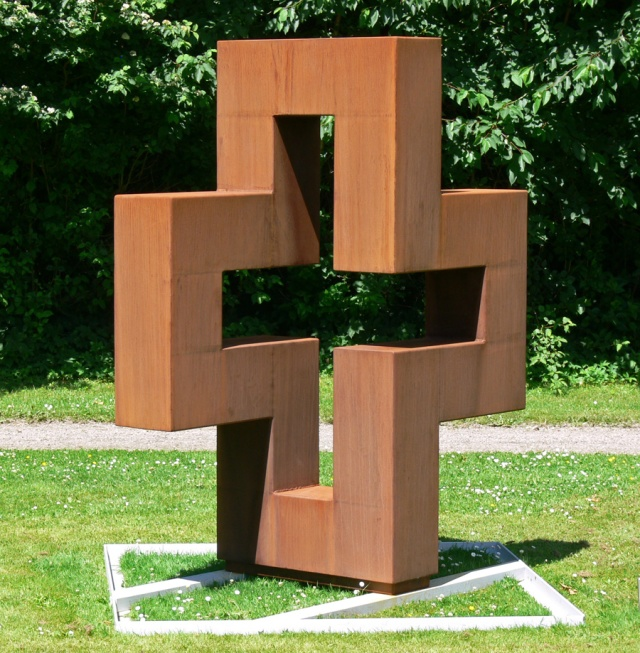 Flerkvadratskulptur, Cortenstål, 220cmx150cmx90cm