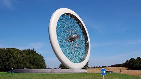 Solhjulet. Rundkørsel ved Give.